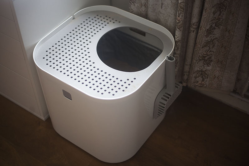 modern-litter-box-modko-modkat-review-sleek-minimalist-white