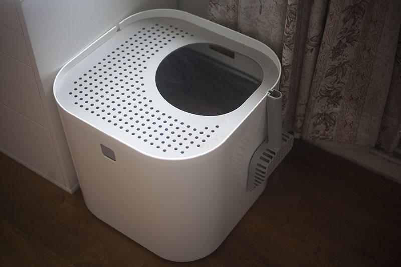 modern-litter-box-modko-modkat-review-sleek-minimalist-white