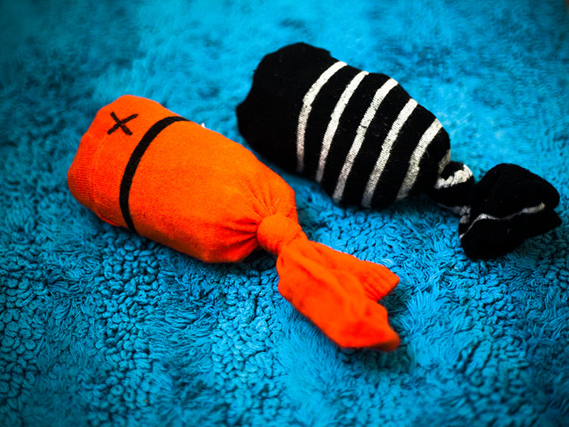 adorable-cat-toy-diy-homemade-sock-fish-kittyclysm-blog