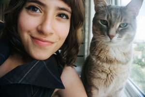 How to Take a Half-Decent Selfie Photo With Your Cat