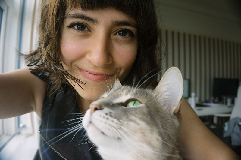 cute-pictures-with-your-cat-selfie