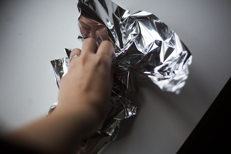 aluminum-foil-home-made-cat-toy-diy-how-to